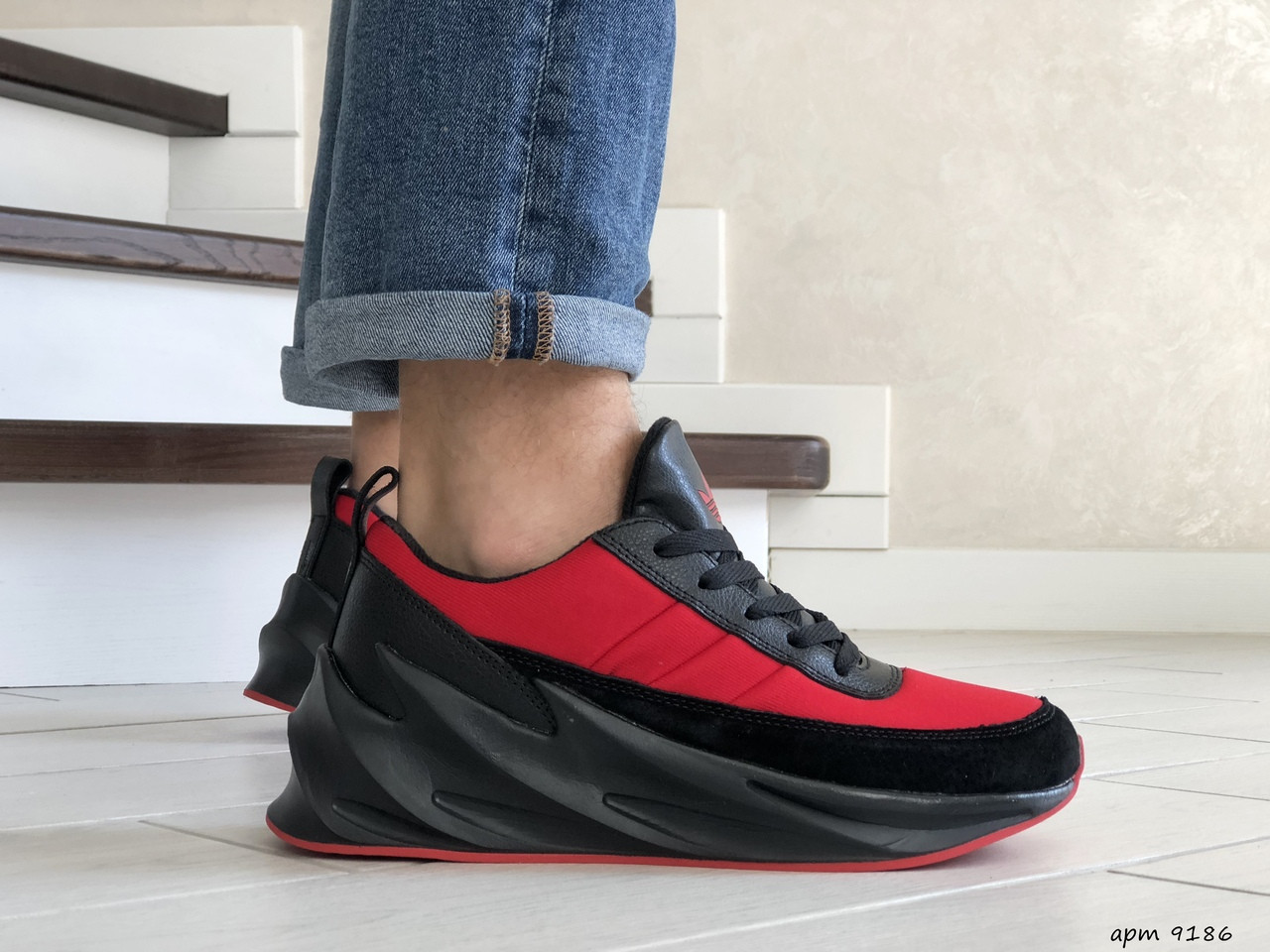 Мужские модные кроссовки (в стиле) Adidas Sharks,красные с черным