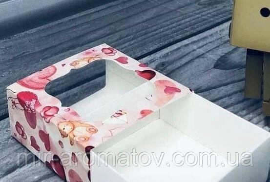 Коробка с окошком  80х80х35 мм