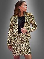 Женский костюм с леопардовым принтом