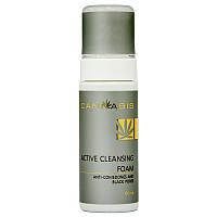 Пена для глубокого очищения проблемной кожи, склонной к воспалению и образованию «черных точек» CANNABIS