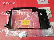 Дефлектор радіатора интеркуллера Renault Lodgy (Original 215582977R)