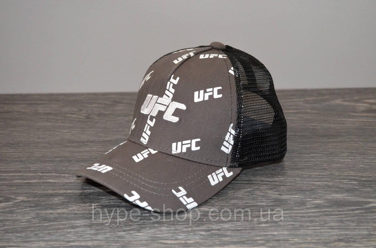 Кепка тракер серая UFC   Отличный выбор