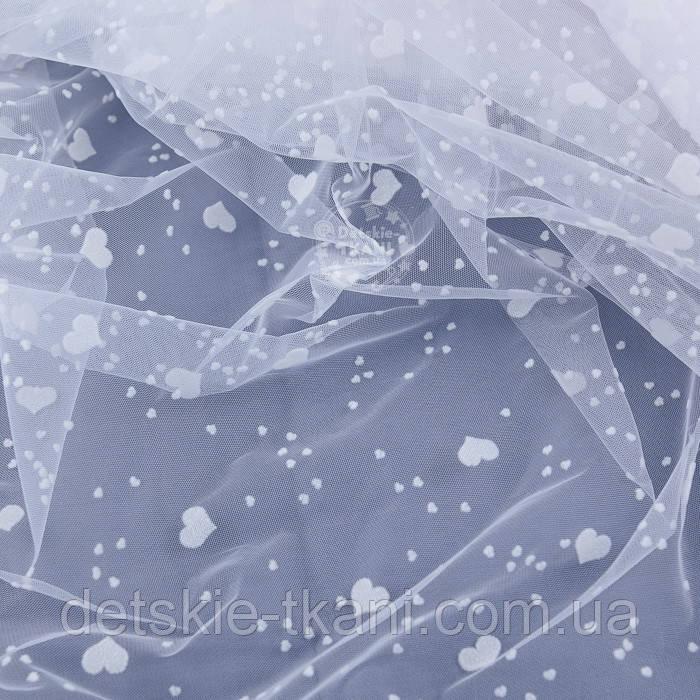 Отрез фатина белого цвета с разными белыми бархатными сердечками, 0.5 метра (50*150 см)
