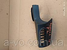 Накладка дефлектор крепления зеркала левая Renault Espace 4  8200081260