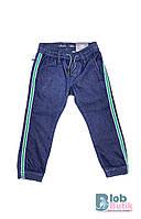 Детские синие джинсы для мальчика.