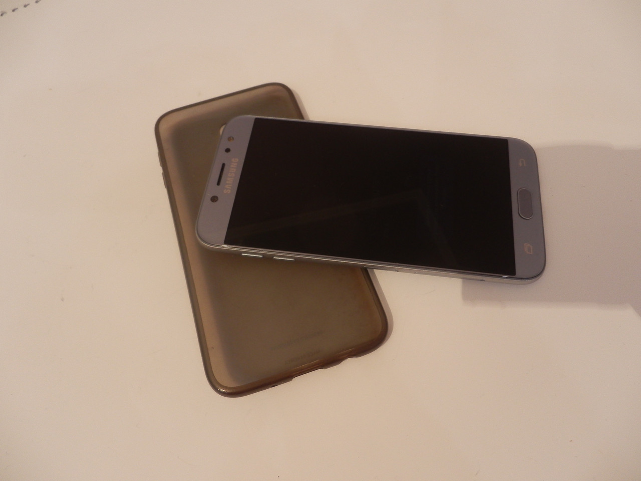 Мобильный телефон Samsung Galaxy J7 16GB SM-J730FM №7373