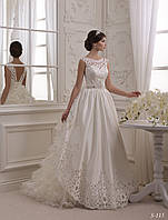 Очаровательное свадебное платье с необычной юбкой и изумительной аппликацией