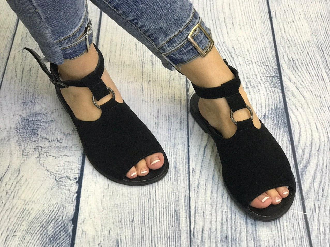 Черные замшевые босоножки сандалии 1 см каблук, кожа или замша пошив с рюшечкой размеры 36-41