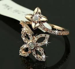 Кольцо цветок  с покрытием  из  розового  золота 18 К   и австрийские кристаллы