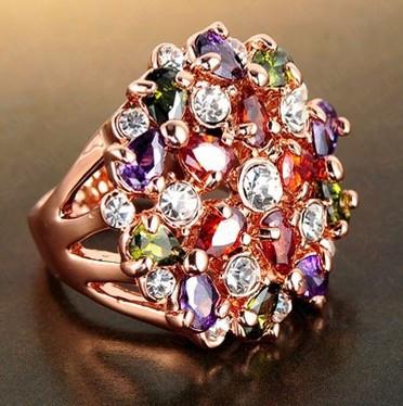 Большое  шикарное Кольцо ROXI  с покрытием 18K розового золота с Австрийскими кристаллами