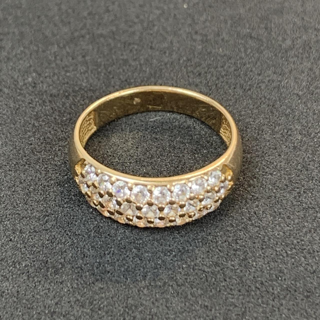 Золотое кольцо 585 пробы Б/У с фианитами, вес 3.53 г