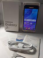 Смартфон  Samsung Galaxy J1 2016, фото 1