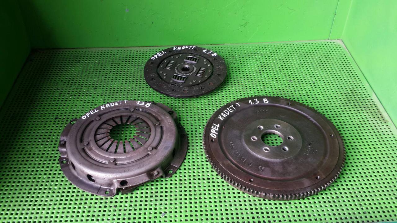 Комплект сцепления корзина диск сцепления маховик для Opel Kadett Ascona Astra 1.3-1.4 F10