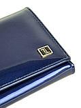 Синий женский кожаный кошелек лаковый на кнопке из натуральной кожи, фото 2