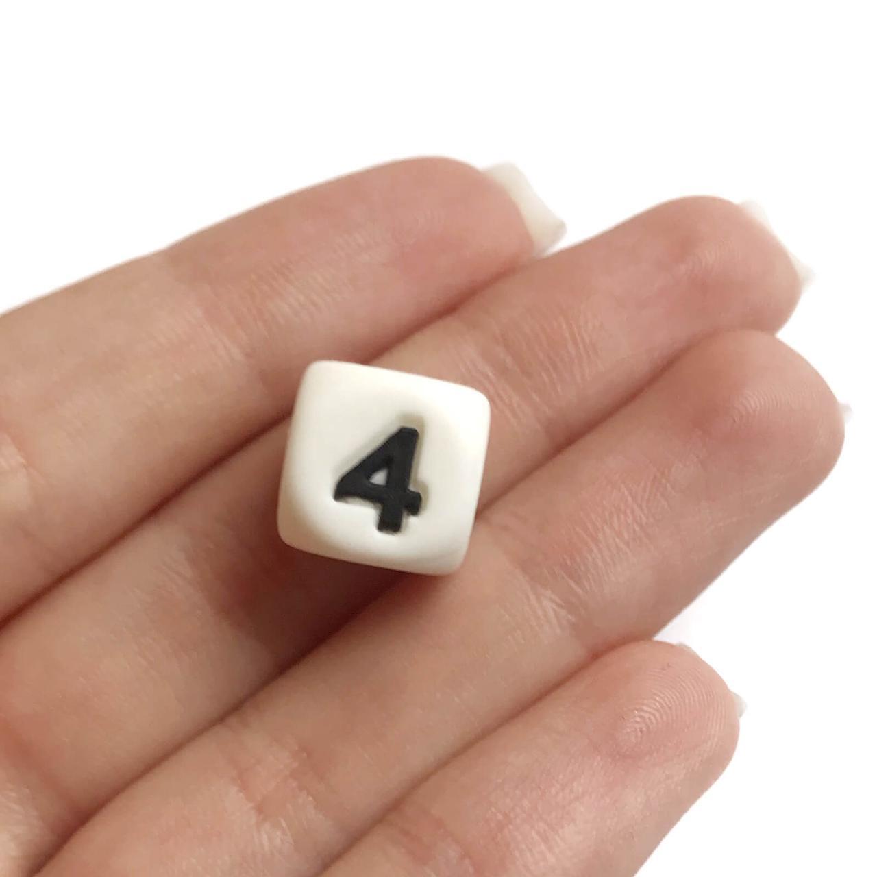 Цифра 4(силиконовые бусины)