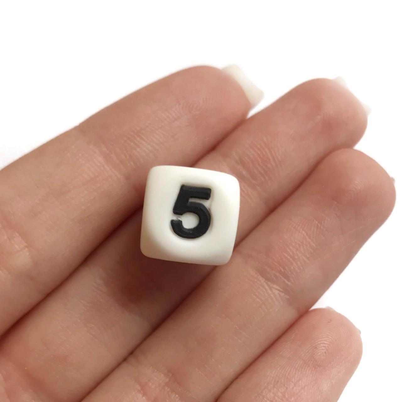 Цифра 5(силиконовые бусины)