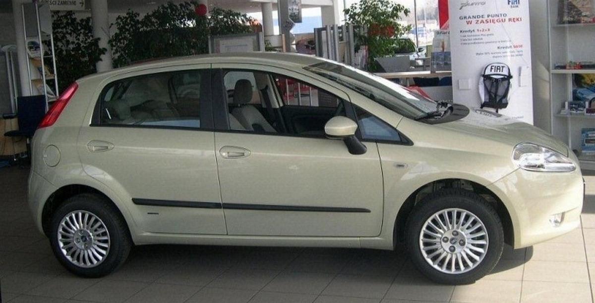 Молдинги на двері для Fiat Gande Punto 5Dr 2005-2009, Punto Evo 5Dr 2009-2012