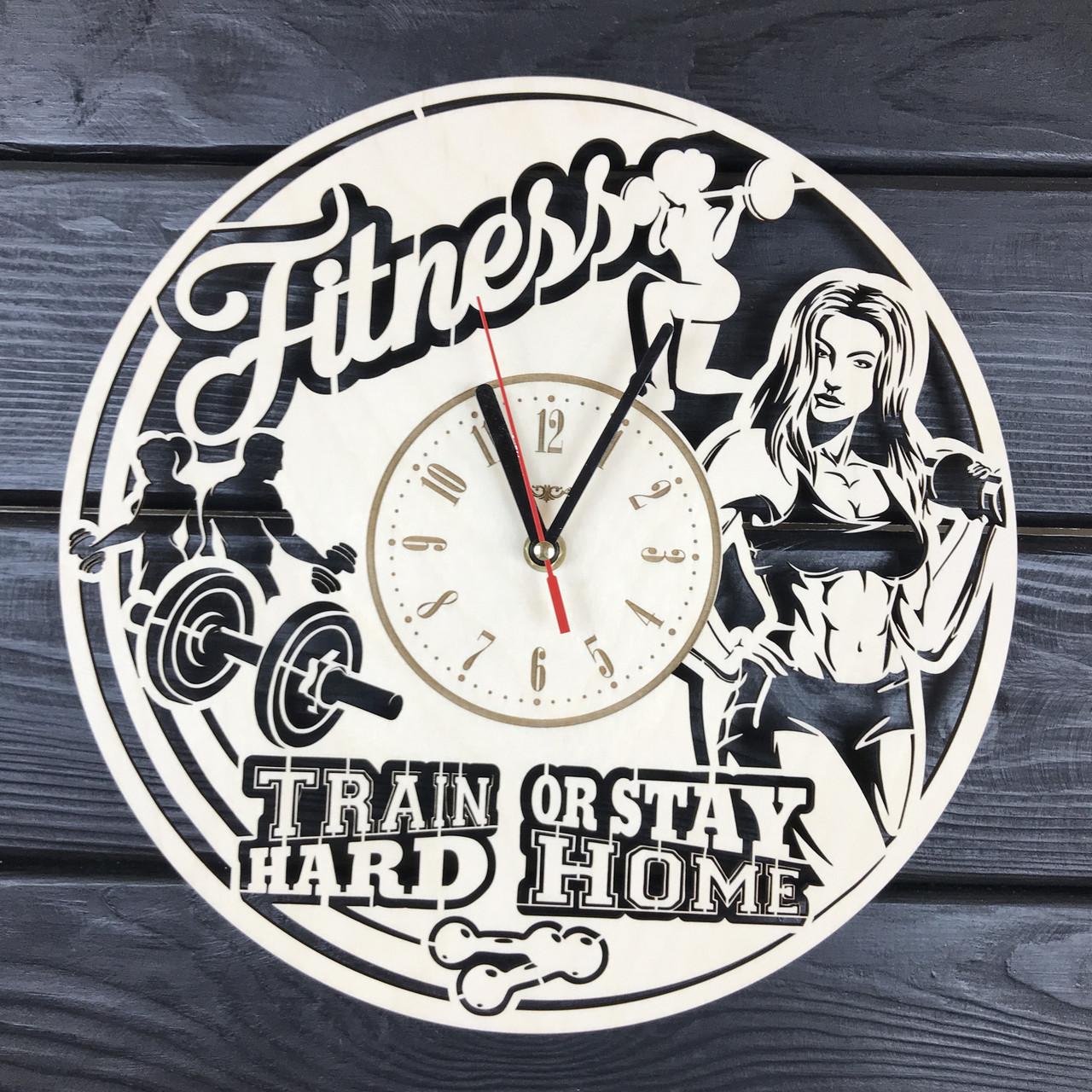 Деревянные часы на стену «Фитнес»