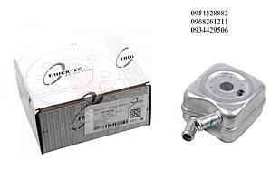 Радиатор масляный / теплообменник VW Caddy III 1.9TDI / 2.0SDI  2004-2010 TRUCKTEC (Германия) 07.18.034