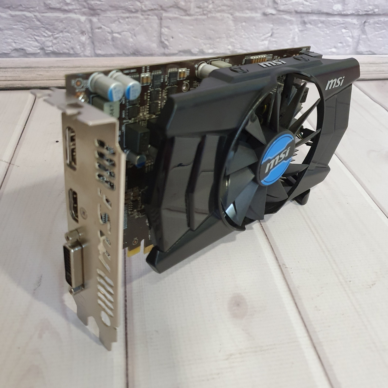 Видеокарта Nvidia GTX 650 TI  ( 1Gb DDR5/ 128bit 1100/ 5000Mhz)