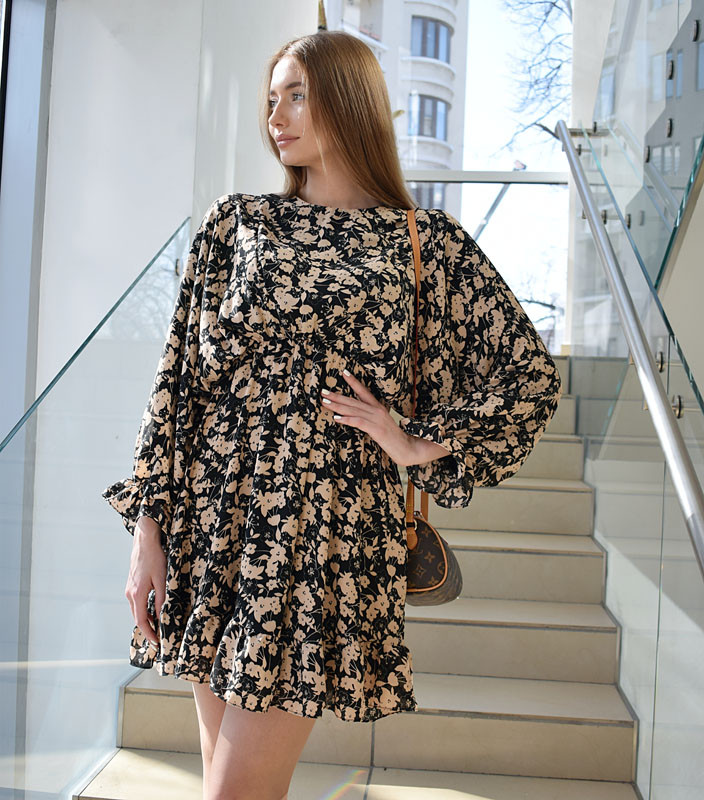 Платье широкий рукав Nilla