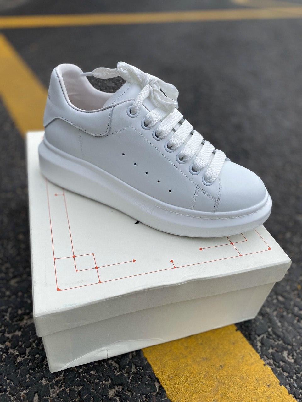 Стильны кроссовки Alexander McQueen White LUX QUALITY (Александр Маквин)