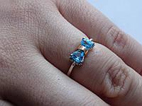 Серебряное кольцо с золотой пластиной и голубым фианитом, фото 1