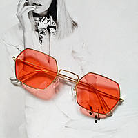 Солнцезащитные многоугольные очки  с цветной линзой красный