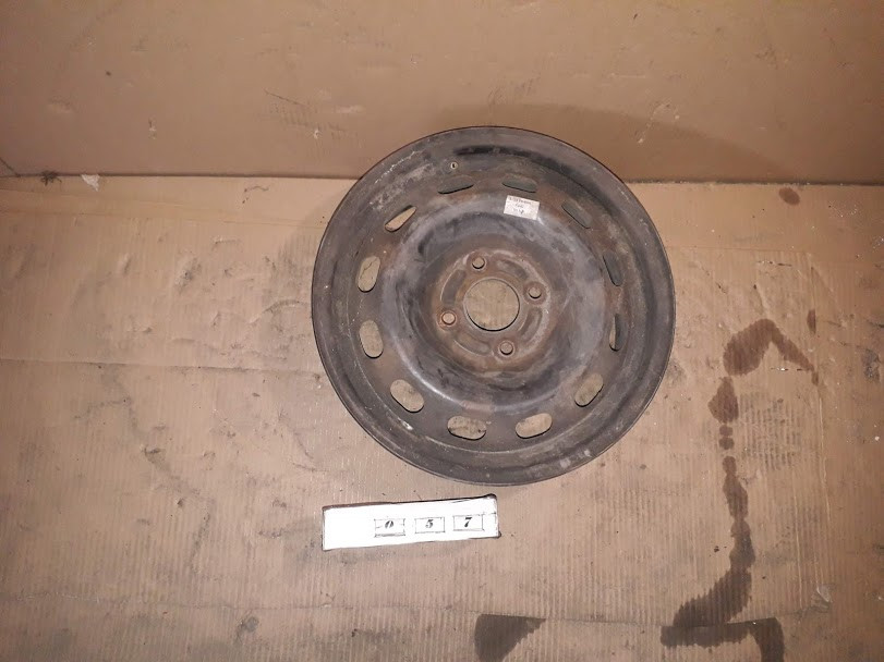 №57 Б/у диск R15  4x108  ET37  DIA57.1 для VW Passat B4 1991-1996