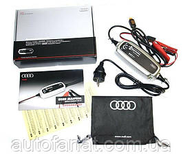 Оригинальное зарядное устройство для аккумуляторов Audi Charger (420093050C)