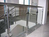 Ограждения из нержавейки с элементами стекла