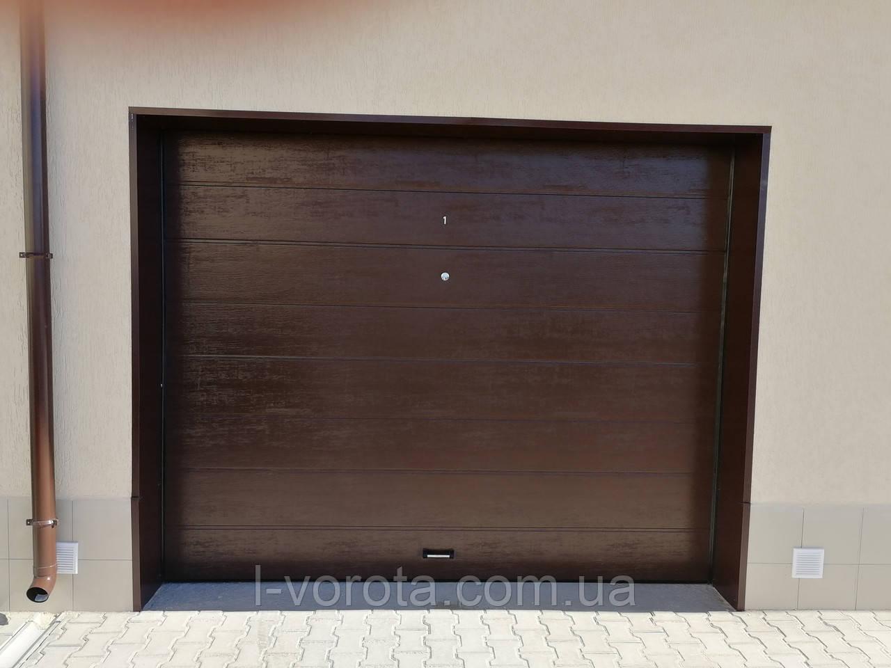 Автоматические гаражные ворота DoorHan 2400мм на 2100мм (цвет коричневый)