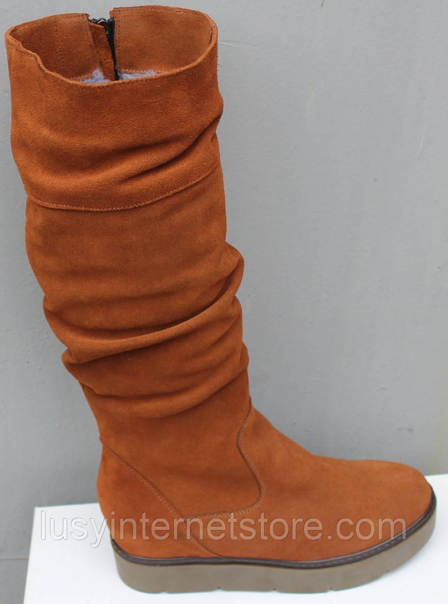 Зимові високі жіночі замшеві чоботи на товстій підошві від виробника модель ПЕ2019Р