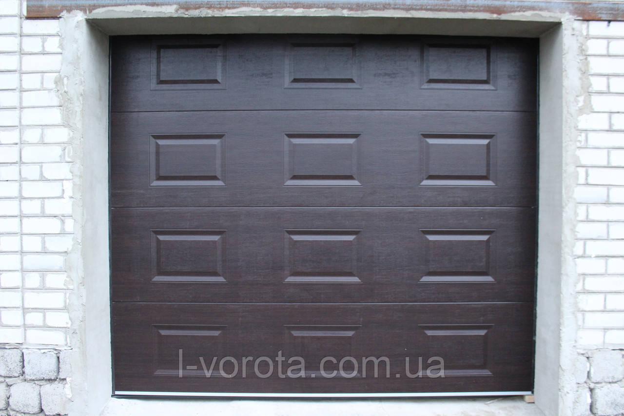 Ворота гаражные секционные DoorHan 2500×2100 (дизайн филенка, вет венге)