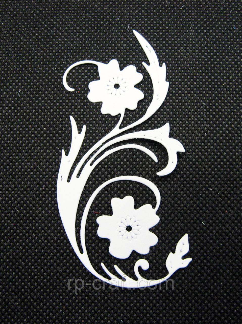Вирубування з паперу та картону. Рослина з квітами, 42х88 мм