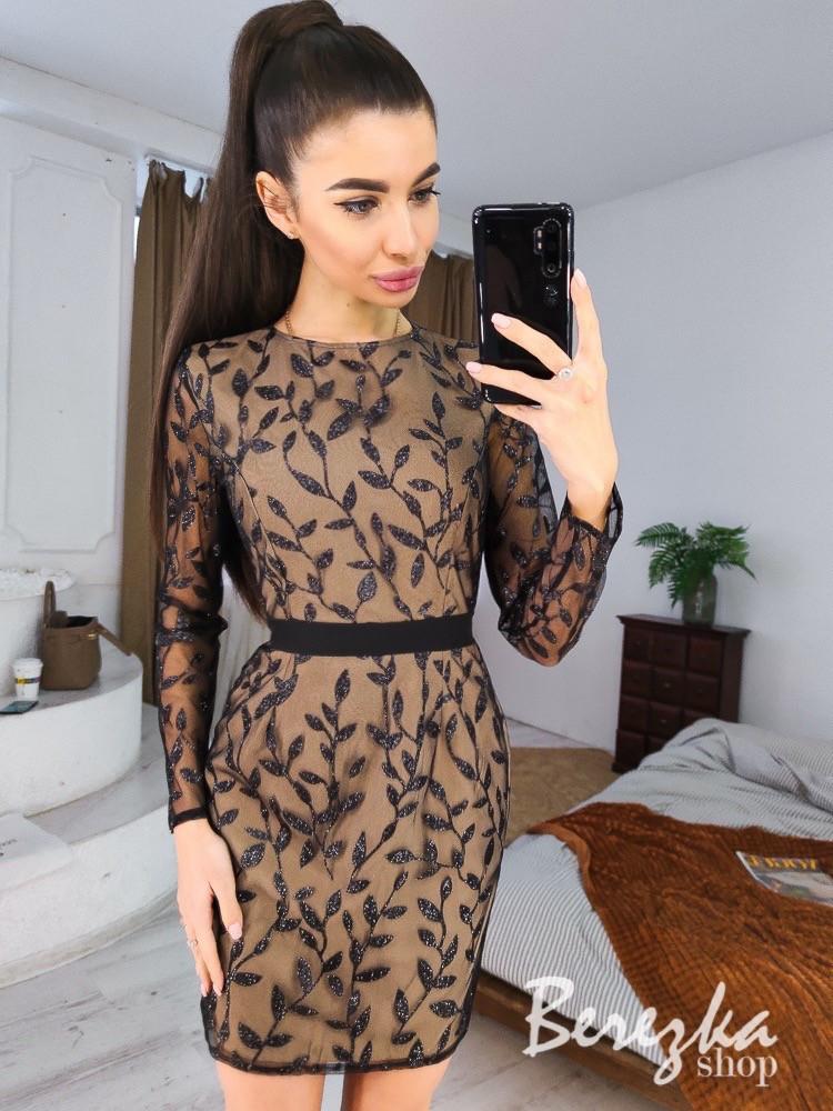 Платье футляр из сетки с вышивкой и длинным рукавом vN6995