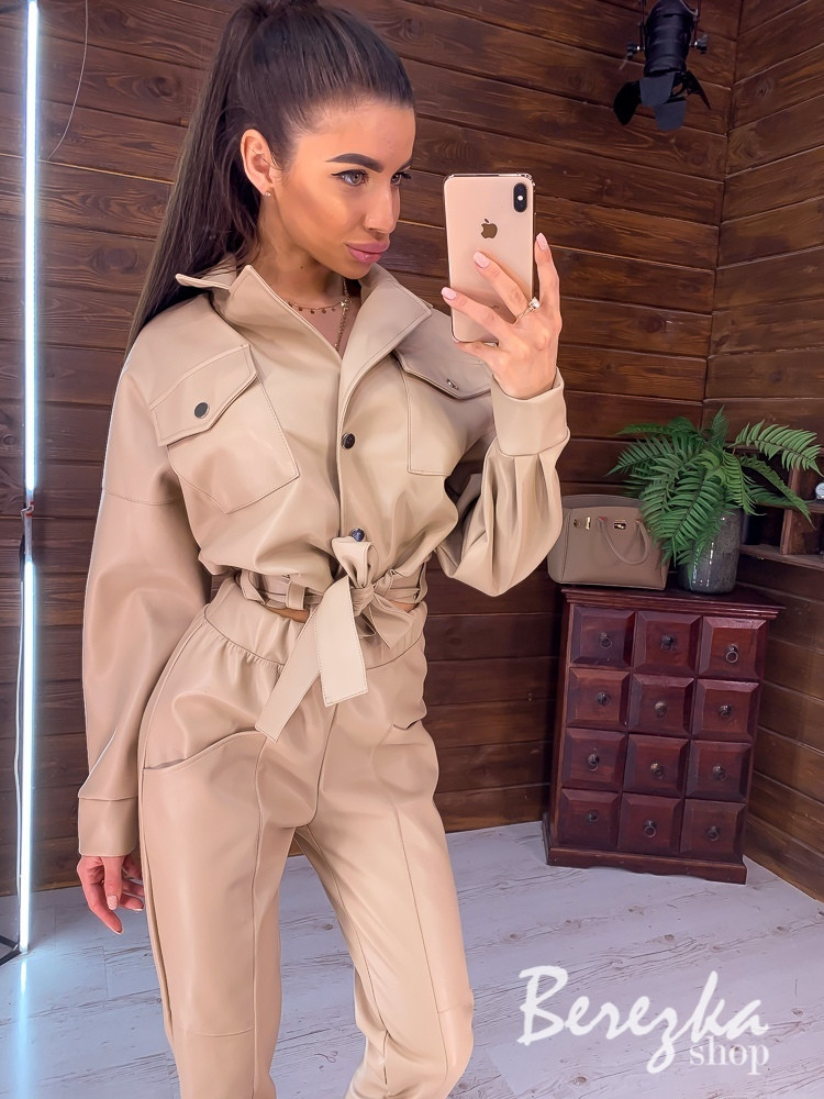 Кожаный женский брючный костюм с укороченным бомбером и длинным рукавом vN7032