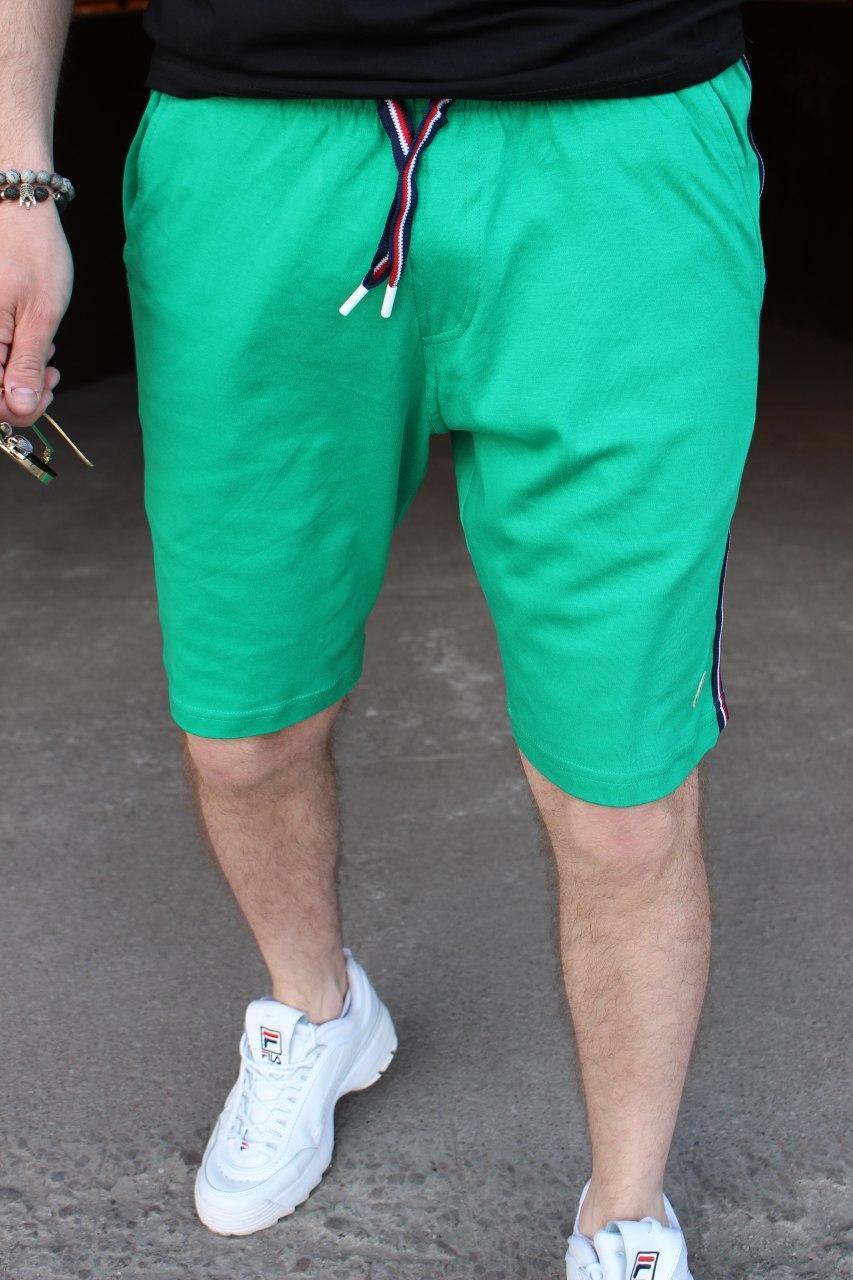 Мужские шорты Moncler M030 зеленые