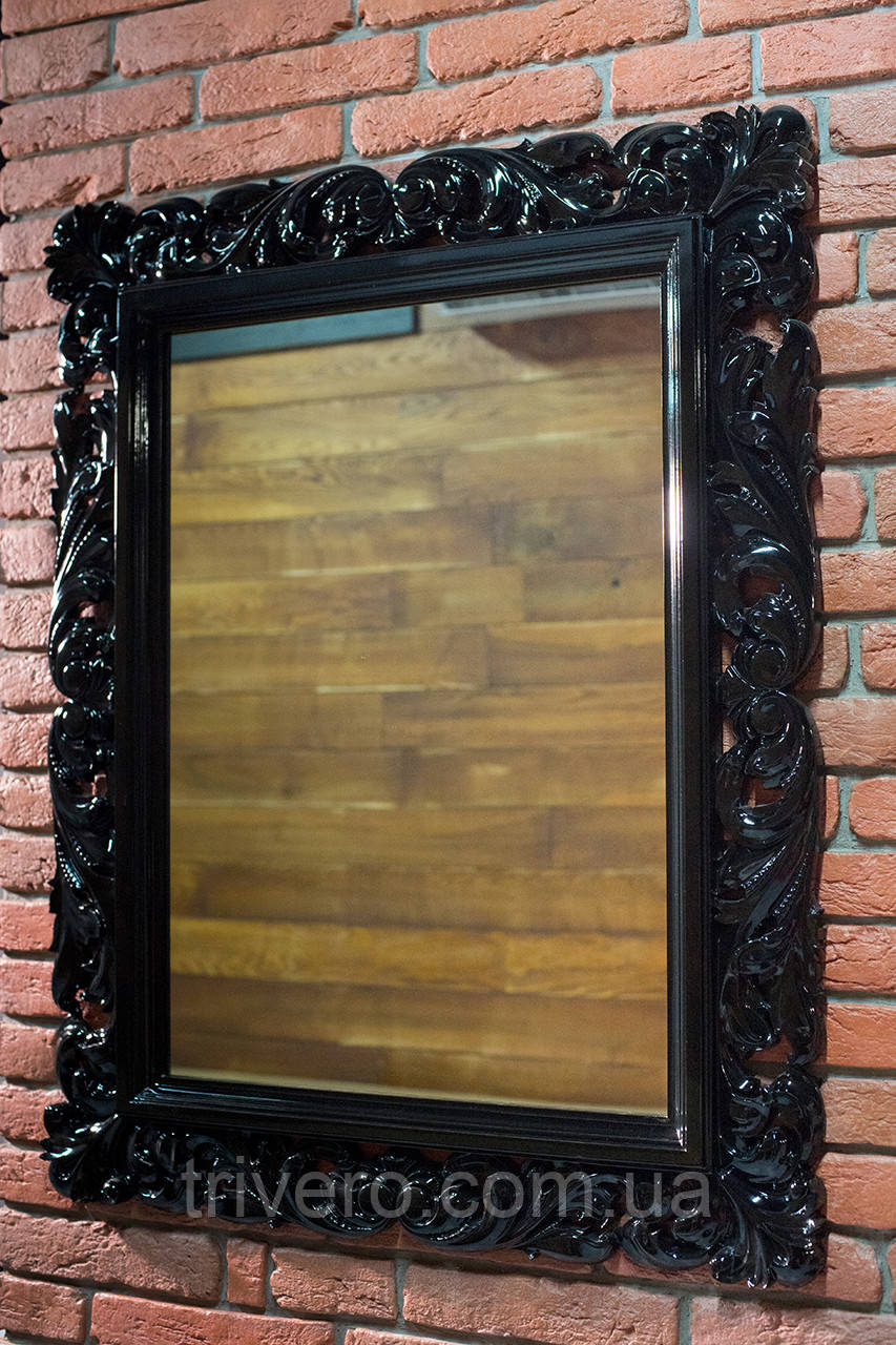 Зеркало настенное в резной деревянной раме черного цвета  Z-04