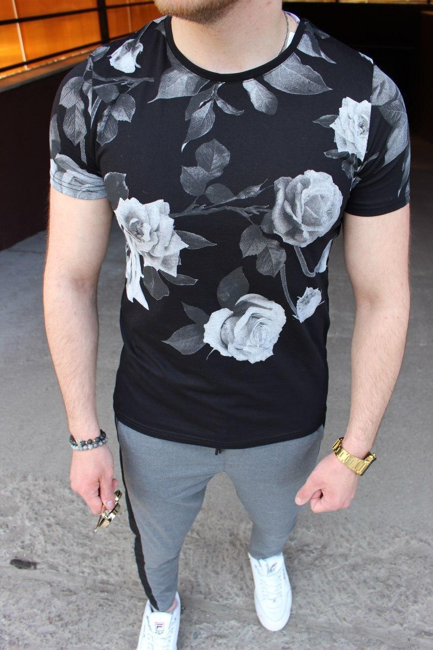 Мужская футболка в цветочный принт M032 черная