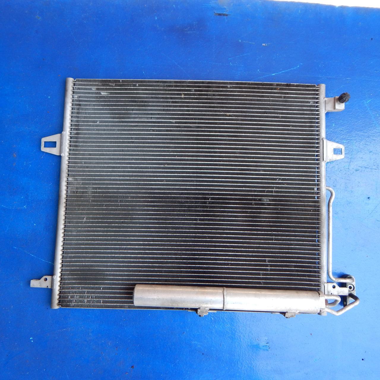 Радиатор кондиционера Mercedes ML МЛ W 164 A2515000054 2005-2011 гг Радіатор кондиціонера