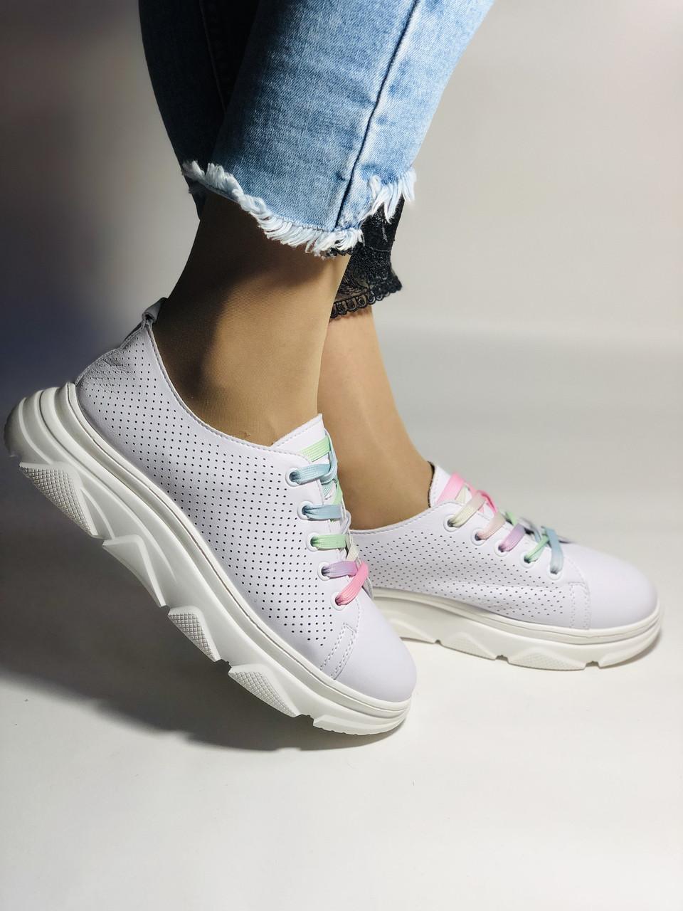 Жіночі кеди-кросівки білі з перфорацією на широку ногу. Розмір 36.37.38.40 Vellena