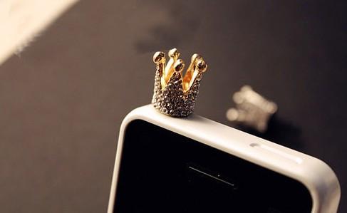 Заглушка для мобильного телефона  в виде  короны