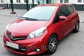 Ветровики, дефлекторы окон Toyota Yaris 2011-2020 (Hic)