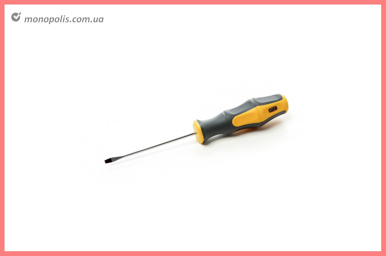 Отвертка Сила - шлицевая SL3 x 38 мм, обрезиненная