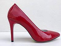 Лодочки лаковые красного цвета