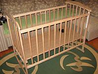 Детская кроватка КФ-2 (с качалкой и колесами, опускание боковушки, два положения дна)
