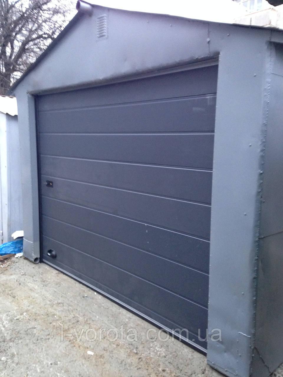 Гаражные секционные ворота DoorHan 2500 на 1900 (цвет сатингрей)