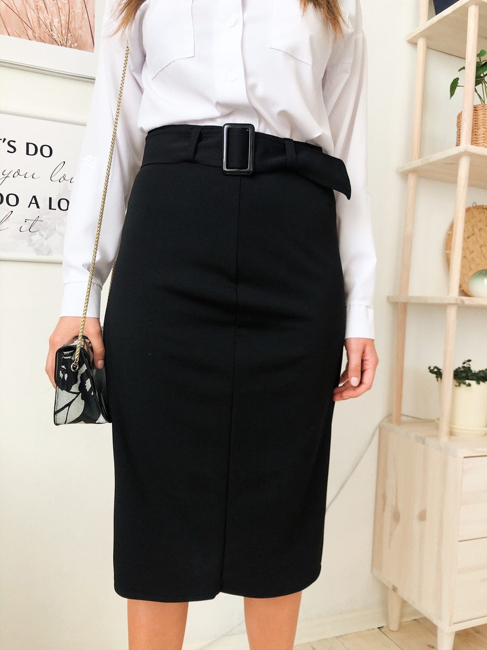 Черная женская юбка - карандаш прямого кроя с поясом tez7311367