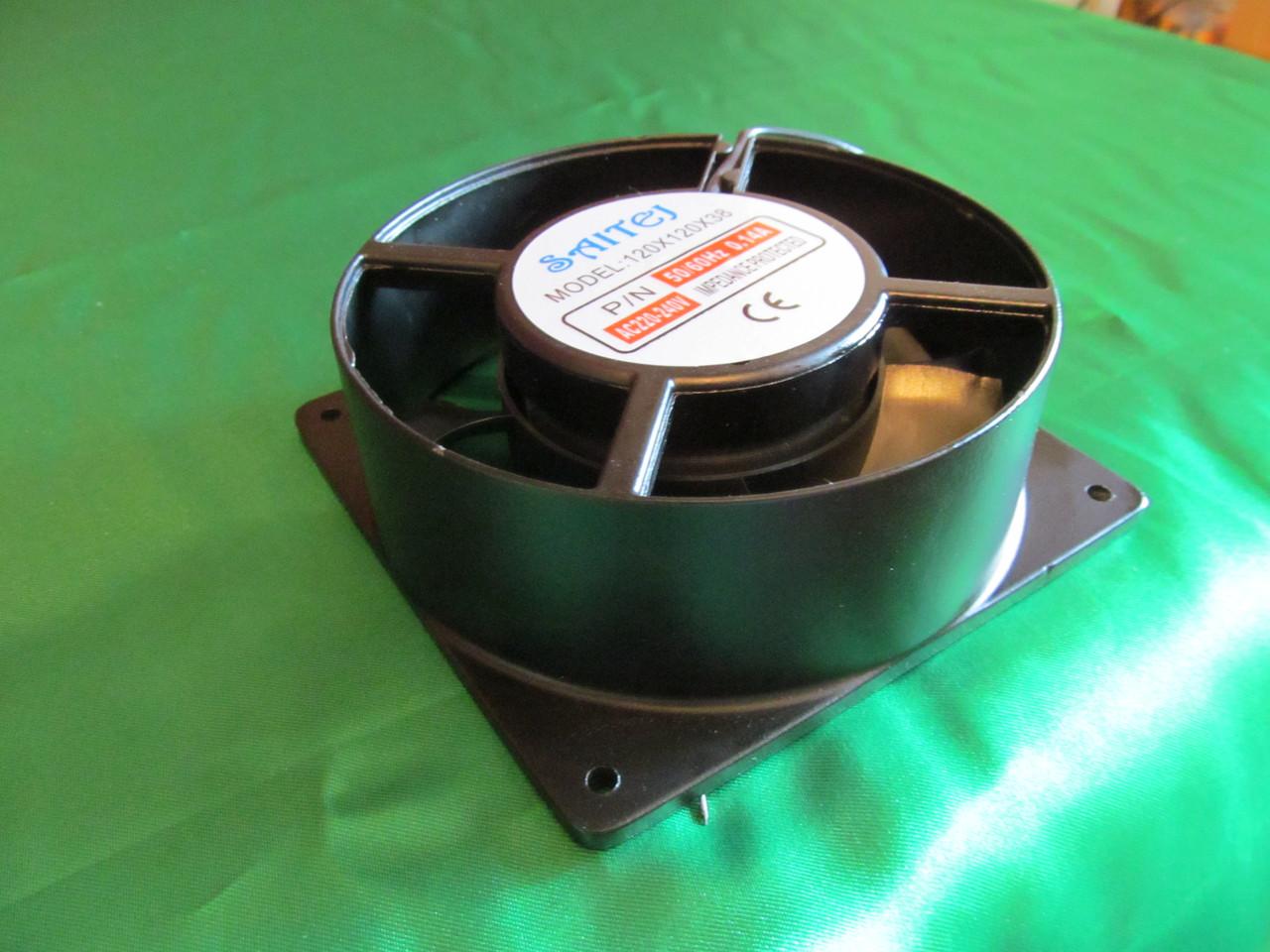 Вентилятор 220 вольт 120*120 мм. с горловиной